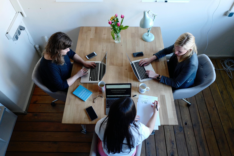 online-mentoring-software-in-mentoring-women